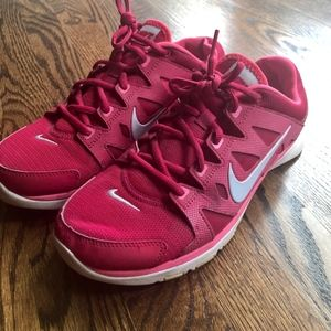 Beautiful Pink Nike Running Shoes ► EUC